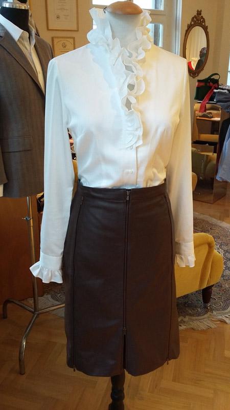Vera Grünwald Kollektion: Bluse mit Lederrock